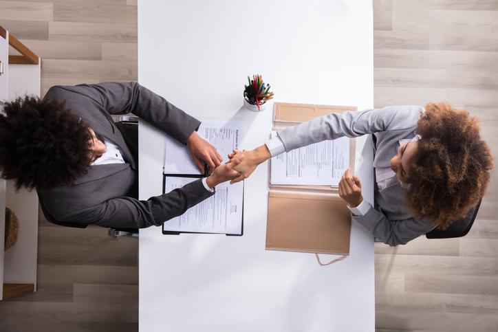 10-dicas-de-como-se-portar-em-uma-entrevista-de-emprego
